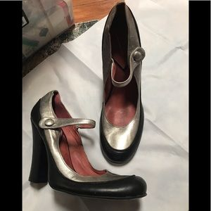 Vince Camuto Mary Jane Heels 7.5 Leather